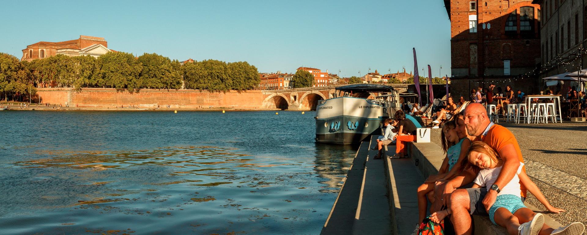 Toulouse Quais face au quai de la Daurade